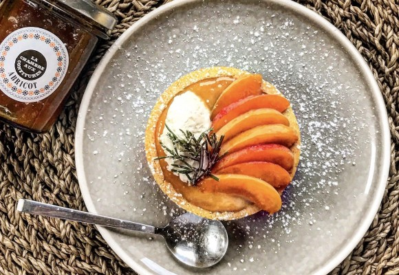 Apricot tartlets, white chocolate & rosemary